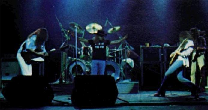 Freebird bass line play some Skynyrd man eBass